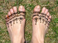 looks exotic in sandals