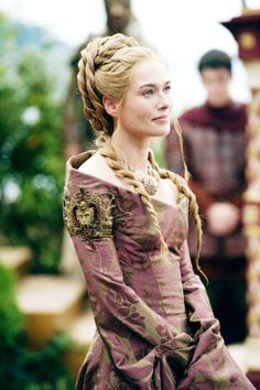 The Hair of Lena Headey as Cersei Lannister in Game of Thrones. Costumes Game Of Thrones, Game Of Thrones Tv, Game Of Thrones Cersei, Game Of Thrones Dress, Got Costumes, Movie Costumes, Costumes Pregnant, Amazing Costumes, Cersei Lannister