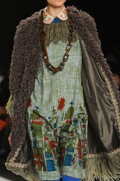 Texture coat | Wild | Print dress | Anna Sui