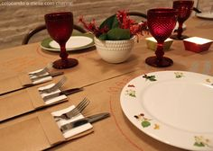 Mesa despojada com papel kraft | Cool table setting using brown paper