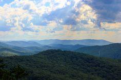Shenandoah National Park [OC] [5184x3456] adiabatic-mind http://ift.tt/2fnUyW7 September 15 2017 at 05:09PMon reddit.com/r/ EarthPorn