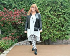 Weekend Dates, Halloween Parties and a Letter to Me.Grey tunic Oakleigh Rose, Plaid leggings and a leather jacket