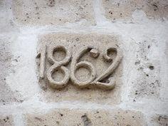 Cacería Tipográfica N° 90: Año de construcción 1862 de una casona en la calle Santa Catalina, Arequipa.