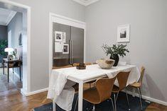 Un apartamento en gris y blanco; Elegancia y modernidad.