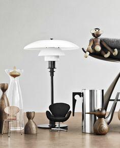 PK 3/2 table lamp by Poul Henningsen from Louis Poulsen, Monkey by Kaj Boyesen from Rosendahl, Bird by Kristian Vedel from Architectmade and Cylinda Series by Arne Jacobsen from Stelton | Interior Photography by Heidi Lerkenfeldt