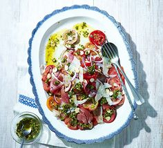 Spanish tomato salad, sub w avocado oil w a side of olive tapenade and garlic crisps - Yum! Combine Serrano ham, manchego cheese and different varieties of tomato, drizzle with an almond parsley dressing, for a light summer side or tapas dish Tapas Recipes, Bbc Good Food Recipes, Cooking Recipes, Fodmap Recipes, Spanish Cuisine, Spanish Food, Spanish Menu, Spanish Party, Spanish Style