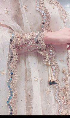 Pakistani Fashion Party Wear, Pakistani Wedding Outfits, Pakistani Wedding Dresses, Wedding Dresses For Girls, Bridal Outfits, Fancy Dress Design, Stylish Dress Designs, Designs For Dresses, Simple Pakistani Dresses