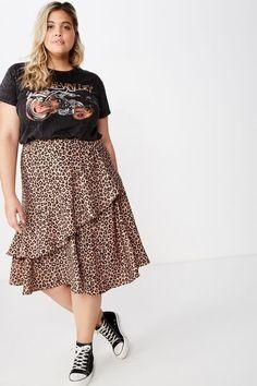 Plus size dresses jeans & jackets cotton on curve usa - plus size skirts - ideas of plus size skirts. Midi Rock Outfit, Midi Skirt Outfit, Skirt Outfits, 30 Outfits, Outfits Plus Size, Curvy Girl Outfits, Plus Size Skirts, Plus Size Teen Clothing, Curvy Fashion