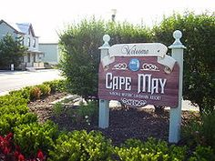 Cape May, New Jersey is a beautifully quaint little seaside place that will steal your heart away!
