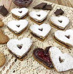 Raspberry Linzer Mousse Cake - Gretchen's Vegan Bakery Famous Vegans, Linzer Cookies, Cocoa Cinnamon, Great British Bake Off, Glaze Recipe, My Dessert, Mousse Cake, Vegan Butter, Just Desserts