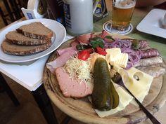 Brotzeitteller im Augustiner-Klosterwirt in München. Lust Restaurants zu testen und Bewirtungskosten zurück erstatten lassen? https://www.testando.de/so-funktionierts