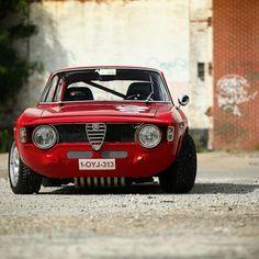 Alfa Romeo's Sports Sedan is a Future Classic: HagertyThe 2017 Alfa Romeo Giulia Quadrifoglio has Alfa Romeo Junior, Alfa Romeo Gta, Sport Cars, Race Cars, Alpha Romeo, Alfa Giulia, Alfa Alfa, Auto Retro, Cars And Motorcycles