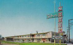 Mid-Century Motels Have Us Longing for Summer Travel Lynwood California, Fm Music, South Gate, Bad Photos, Hotel Motel, Heated Pool, Googie, Summer Travel, Mid Century