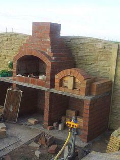 brick bbq with chimney \ brick bbq . brick bbq grill ideas how to build . brick bbq and pizza oven . brick bbq with chimney Brick Built Bbq, Built In Outdoor Grill, Brick Grill, Built In Grill, Cool Diy, Diy Pizza Oven, Pizza Ovens, Diy Grill, Landscape Design