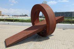 Las esculturas geométricas de Jean-Claude Farhi. | Matemolivares