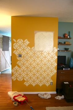 Stenciling a feature wall via Dream Green DIY | Endless Circles Lattice | Royal Design Studio
