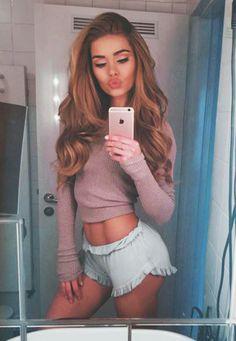 Das perfekte Selfie Instagram-Star Pamela Reif im GALA-Interview