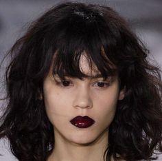 Hair cut & style on the runway at Louis Vuitton Makeup Inspo, Makeup Inspiration, Beauty Makeup, Hair Makeup, Hair Beauty, Body Inspiration, Pretty Makeup, Makeup Looks, Model Tips