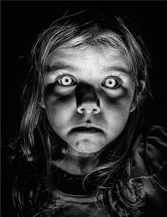 Black Eyed Children (or black eyed kids) are an urban legend and are supposedly young children between the ages of 6 and 16 with pale skin, almost like a corpse, and black eyes. These paranormal creatures are reportedly seen hitchhiking or. Creepy Photography, Dark Photography, Children Photography, Arte Horror, Horror Art, Horror Movies, Creepy Kids, Creepy Art, Creepy Children