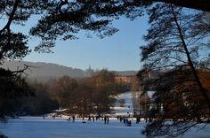 Kassel, Bergpark Wilhelmshöhe, Blick zum Schloss vom Lac aus