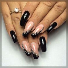 32 Gorgeous Looks for Matte Short Nails; matte nails for fall;easy designs for short nails. Fancy Nails, Bling Nails, My Nails, Dark Nails, Dark Nail Designs, Nail Art Designs, Nails Design, Beautiful Nail Art, Gorgeous Nails