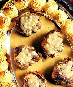 Unna dig en härligt krämig gorgonzolasås till fläskfilén. Tillsammans med gratinerat potatismos blir det en riktig festmåltid.