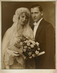:::::::::: Vintage Photograph ::::::::::  Husband and wife on their wedding day. 1930