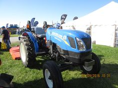 New Holland WorkMaster 50 New Holland Agriculture, New Holland Tractor, Ford Tractors, Ford News, Monster Trucks, Pictures, Photos, Grimm