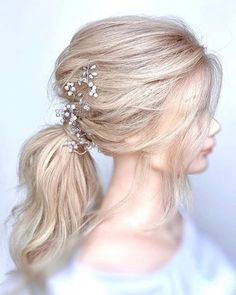 boho bridal hair   GALLERY Bride Hairstyles With Veil, Wedding Ponytail Hairstyles, Short Hair Updo, Messy Hairstyles, Hair Ponytail, Natural Bridal Hair, Boho Bridal Hair, Wedding Hair And Makeup, Hair And Makeup Artist