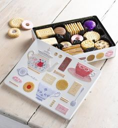 // Marks&Spencer Summertime Biscuits for Tea //