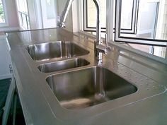 Stainless Steel Sink Benches a Comprehensive Cleaning Solution Kitchen Sink Caddy, New Kitchen Cabinets, Commercial Sink, Kitchen Benchtops, New Countertops, Stainless Steel Kitchen, Cleaning Solutions, Home Deco