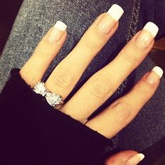 i dont know what it is about this pic, but i ♥♥♥♥ it...i want that ring & nails!