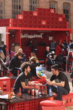Bar d'Estrella Damm. Using plastic crates to supplement simple architectural design. Gloucestershire Resource Centre http://www.grcltd.org/home-resource-centre/