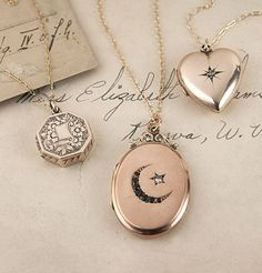 Late Gold Locket Necklaces- the ☾★ is gorgeous! If only in silver Cute Jewelry, Jewelry Shop, Beaded Jewelry, Jewelry Accessories, Jewelry Necklaces, Fashion Jewelry, Gold Jewelry, Jewellery Box, Jewlery