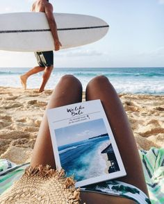 Surfing holidays is a surfing vlog with instructional surf videos, fails and big waves Vibe Video, The Beach, Summer Beach, Summer Aesthetic, Beach Pictures, Surfing Pictures, Summer Vibes, Foto E Video, Bali
