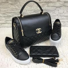 Discover recipes, home ideas, style inspiration and other ideas to try. Chanel Handbags, Fashion Handbags, Purses And Handbags, Fashion Bags, Luxury Bags, Luxury Handbags, Sport Mode, Shoe Boots, Shoe Bag