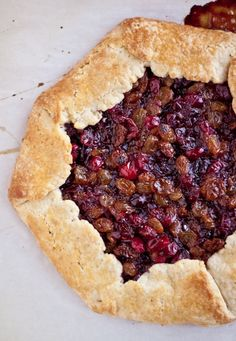 Cranberry Raisin Tart | bloggingoverthyme.com