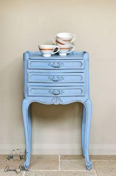 Annie Sloan Chalk Paint - Louis Blue - Chestnut Lane Antiques & Interiors - 1