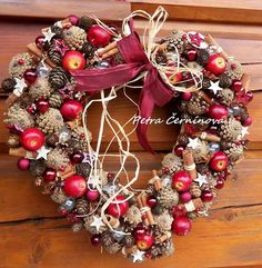 Vánoční srdce / Zboží prodejce Černínová Petra   Fler.cz Petra, Christmas Wreaths, Sweet Home, Presents, Holiday Decor, Home Decor, Thoughts, Ideas, Gifts