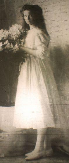 Olga Romanov, 1910 Olga Romanov, Romanov Sisters, Grand Duchess Olga, House Of Romanov, Alexandra Feodorovna, Tsar Nicholas Ii, Romantic Images, Mystery Of History, Imperial Russia