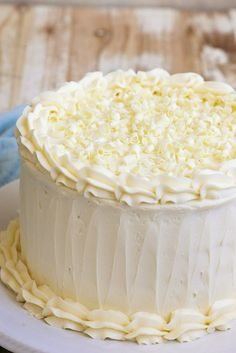 Wedding Cake Recipes This White Wedding Cake recipe turns out perfect every time. Great, easy option for making your own wedding cake. - Super simple recipe for White Wedding Cake! Köstliche Desserts, Delicious Desserts, Dessert Recipes, Cheesecake Recipes, Cupcake Recipes, Baking Recipes, Cookie Recipes, Tea Cakes, Cupcake Cakes