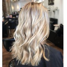 Are you going to balayage hair for the first time and know nothing about this technique? We've gathered everything you need to know about balayage, check! Blonde Hair Looks, Brown Blonde Hair, Summer Blonde Hair, Blonde Honey, Tape In Hair Extensions, Blonde Hair Extensions, Hair Highlights, Dirty Blonde Hair With Highlights, Blonde Balayage