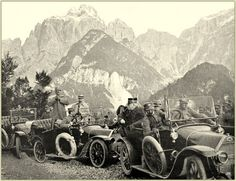 Der Plöckenpass (italienisch Passo di Monte Croce Carnico), 1357m ist ein 37 km langer Pass in den Karnischen Alpen auf der Strecke von Kötschach Mauthen im Gailtal (Kärnten) ins italienische Timau in Friaul. Von dort führt die Straße südlich nach Tolmezzo und Udine.