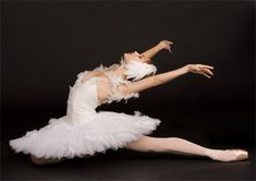 ballerinas | Professional female athletes and ballerinas suffer from serious health ...