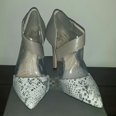 """Vince Camuto pumps BNIB size 7.5 Vince Camuto Carlotte2 pump w/ asymetrical strap Taupe w/ snake print  4"""" heel Brand new, never worn, still in box. 7.5M Vince Camuto Shoes Heels"""