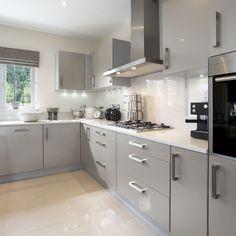 10 Inspiring Modern Kitchen Designs – My Life Spot Kitchen Cupboard Designs, Kitchen Room Design, Best Kitchen Designs, Modern Kitchen Design, Home Decor Kitchen, Interior Design Kitchen, Home Kitchens, Grey Kitchens, Kitchen Ideas