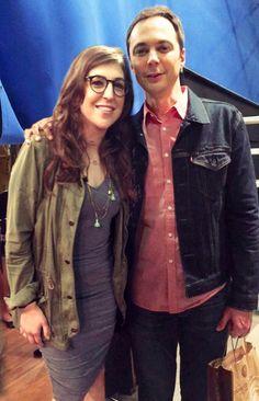 Jim Parsons and Mayim Bialik on the set of The Big Bang Theory