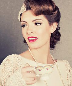 10 Vintage Wedding Hair Styles - Inspiration for a Wedding, the vintage hair styles and art deco headpieces you need to create your own elegant and glamorous old Hollywood look. Vintage Wedding Hair, Wedding Hair And Makeup, Vintage Bridal, Wedding Bride, Vintage Updo, Hair Makeup, Wedding Blog, 50s Makeup, Retro Updo