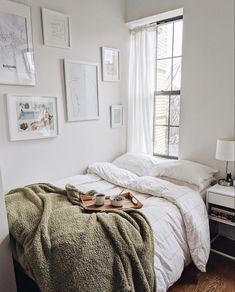 Apartment Therapy on First Friday of 2020 means you deserve breakfast in bed. (v… Home therapy on the first Friday of 2020 means that you deserve breakfast in bed. (via thenamestesa). Cozy Bedroom, Bedroom Inspo, Bedroom Decor, Bedroom Ideas, Seating In Bedroom, Bedroom Layouts For Small Rooms, Bedroom Neutral, Bedroom Modern, White Bedroom