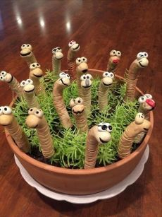 handmade funny worms for my potted plants or the garden - Garden pottery, Potte. - handmade funny worms for my potted plants or the garden – Garden pottery, Pottery animals, Clay - Clay Projects, Clay Crafts, Diy And Crafts, Simple Crafts, Recycled Crafts, Felt Crafts, Garden Crafts, Garden Art, Fence Garden